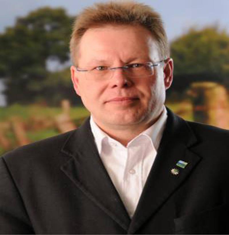 Bewerber für den SPD Bundesvorstand: Frank Luttmann präsentiert sich mit eigener Facebook Community Site